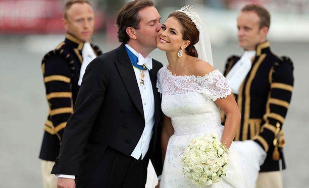 Chris O'Neill ja prinsessa Madeleine avioituivat kesäkuussa 2013.