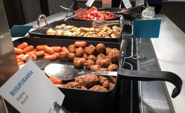 Hotelliasiakkailta anastettiin aamiaisella omaisuutta. Kuvan aamiainen ei liity tapaukseen.