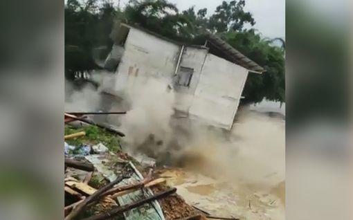 Tulvan raju voima tallentui videolle Kiinassa - Kivitalo sortui hetkessä