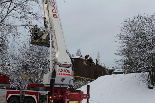 Sammutustöihin osallistui noin 20 palomiestä Jyväskylästä.
