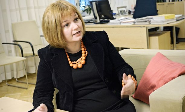 Asuntoministeri Krista Kiuru tarttui ripeästi Laukaan maneesiturman paljastamiin puutteisiin turvallisuudessa. Talvivaaran puutteet on myös selvitetty.