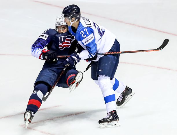 Eetu Luostarinen pelasi neljässä MM-ottelussa, kunnes Britanniaa vastaan tullut polvivamma pakotti miehen palaamaan kotiin.