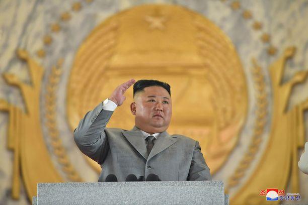 """Kim Jong-un yritti valaa uskoa kansalaisiin """"vakavan haasteen"""" keskellä."""