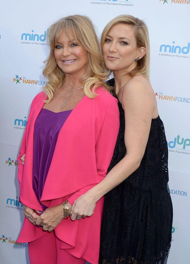 Goldie Hawn ja Kate Hudson edustivat hyväntuulisina yhdessä.