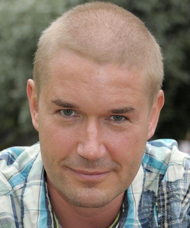 Marco Bjurström väistyy Tanssii tähtien kanssa -ohjelmasta.
