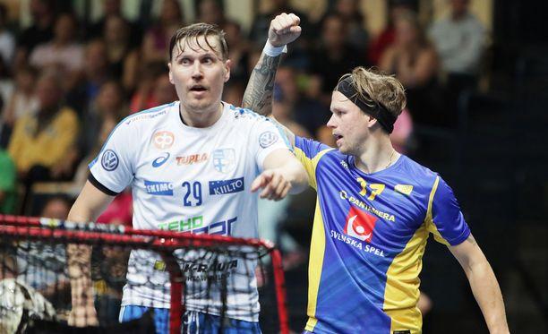 Mika Kohonen (vas.) ja kumppani kohtaavat tänään Ruotsin MM-finaalissa.