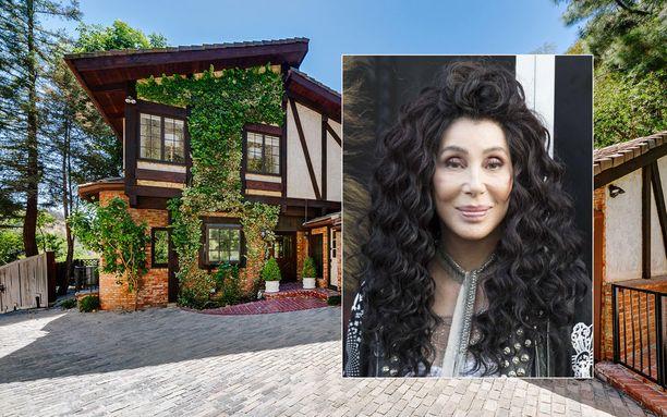 Uusimmassa Mamma Mia -elokuvassa Cher, 72, esittää pääosassa olevan Meryl Streepin äitiä.