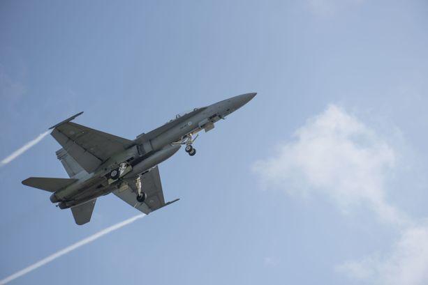 Hornetit poistuvat käytöstä vuoteen 2030 mennessä.