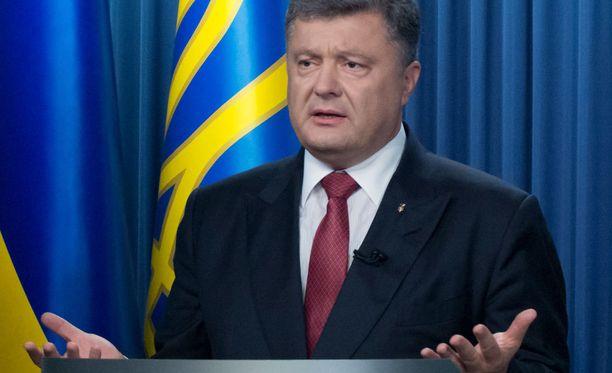 Petro Poroshenkon mukaan ainoa keino vaikuttaa Venäjän politiikkaan on taistella yhdessä sitä vastaan.