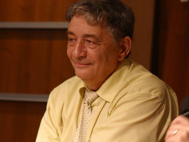 Eduard Uspenski kuvattuna vuonna 2003. Hän kuoli syöpään elokuussa 2018.