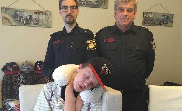 Arssi Tikkanen sai Turun VPK:lta lahjoituksen tubettamisharrastukseen.