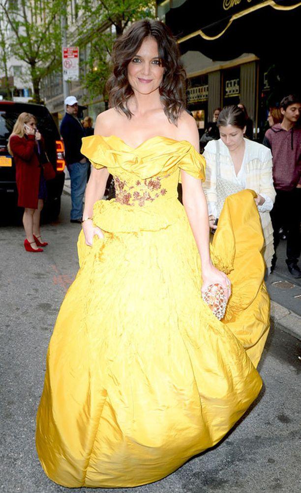 Katie Holmes edusti Disney-prinsessan lookissa.