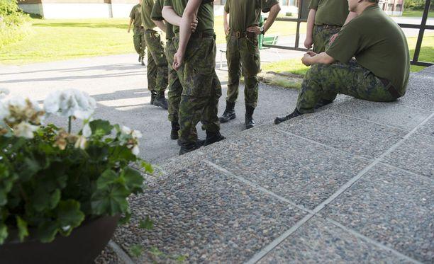 Karjalan prikaatissa oli kaksi esitutkintaa palvelusrikoksesta, ja toinen on ratkaistu tänään.