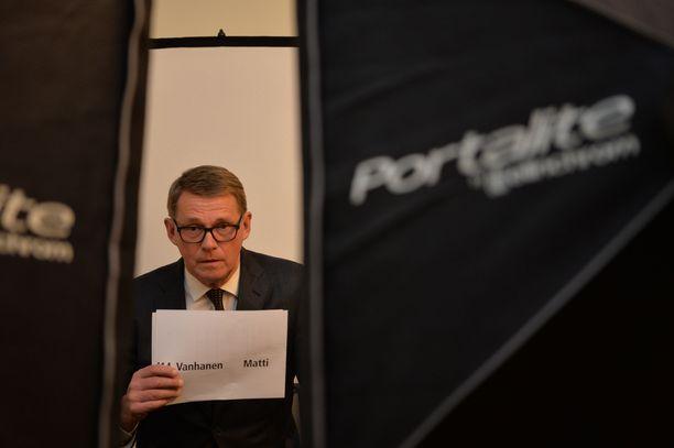 Matti Vanhanen ei hätkähdä, jos keskustaa kohtaa oppositio.