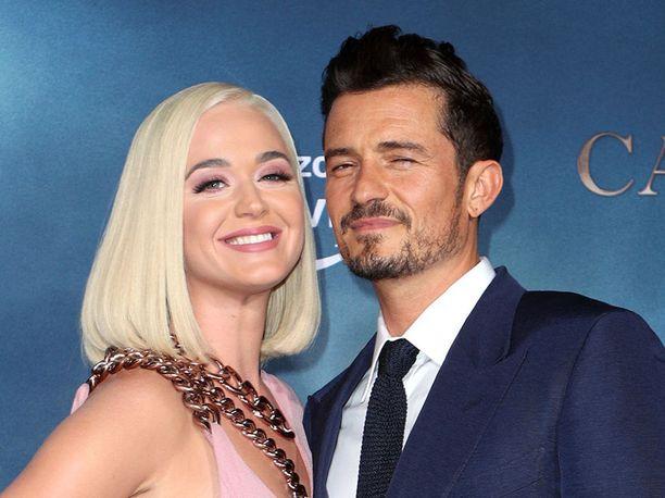 Katy Perry ja Orlando Bloom hehkuivat onnea Bloomin tähdittämän Carnival Row -televisiosarjan ensi-illassa elokuussa.