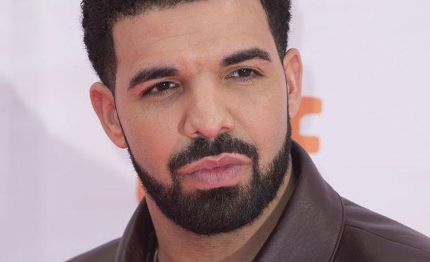 Drake tunnetaan kanadalaisena räppärinä ja näyttelijänä.
