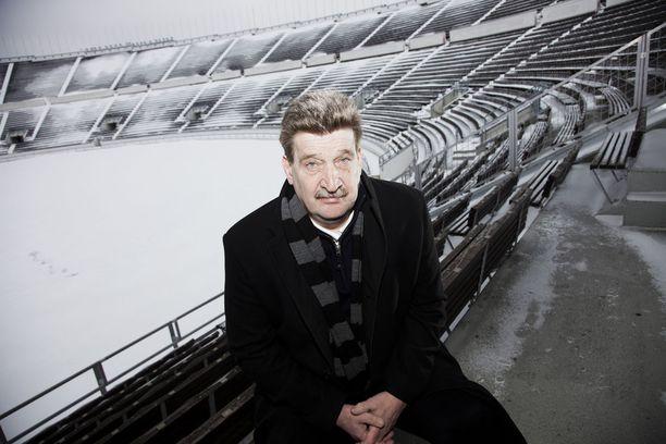 Pertti Alaja teki suuren työn suomalaisen jalkapallon hyväksi.