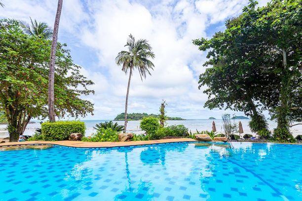 Sea View Resort on viiden tähden hotelli Koh Changin saarella.