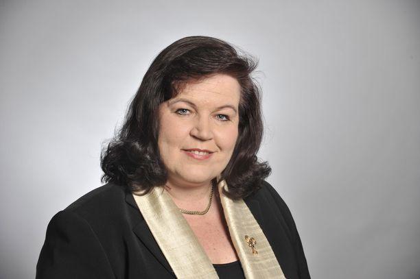 Anne Holmlund (kok) pyrkii takaisin kansanedustajaksi.