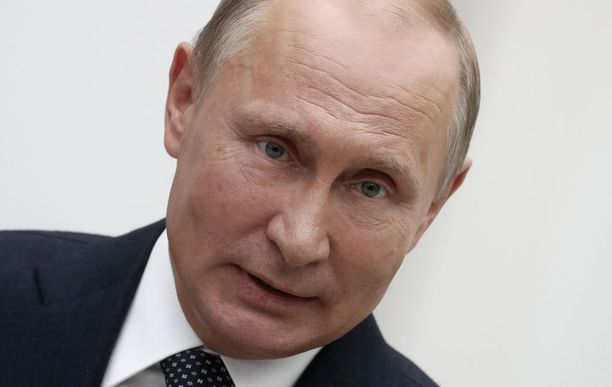 Venäläiset kokit valmistavat ruoan presidentille kovan valvonnan alaisuudessa.