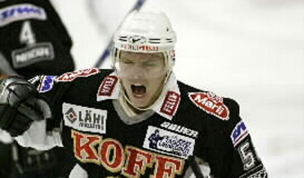 Andreas Jämtin tunnettiin SM-liigassakin kovaotteisena pelaajana.