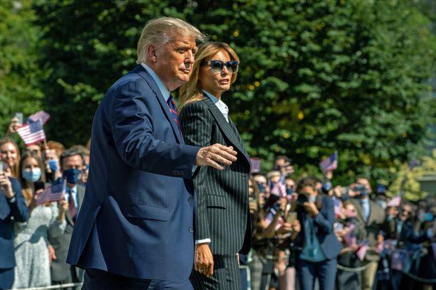 Sekä presidentti Trumpilla että ensimmäisellä naisella Melania Trumpilla on koronatartunta.
