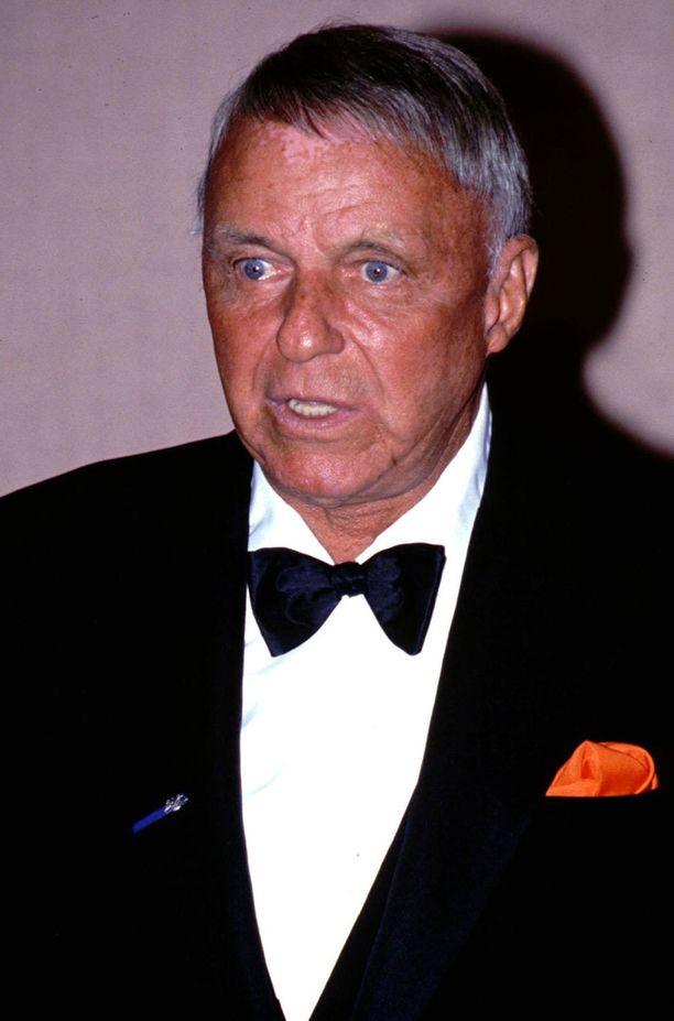 Kirjoittiko Frank Sinatra nuhtelukirjeensä itse vai ei?