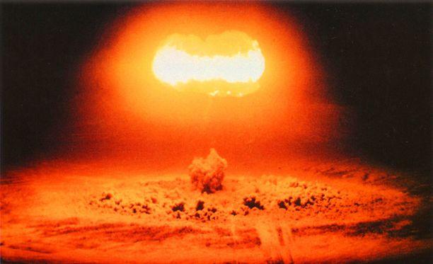 Yhdysvallat testaa ydinpommia vuonna 1957.