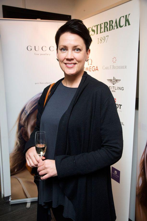 Oopperalaulaja Mari Palo iloitsee Linnan kutsusta. -Ja paljon tuttuja on tulossa myös, Palo hymyili.