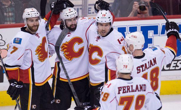 Calgary Flames kaappasi kotiedun itselleen.