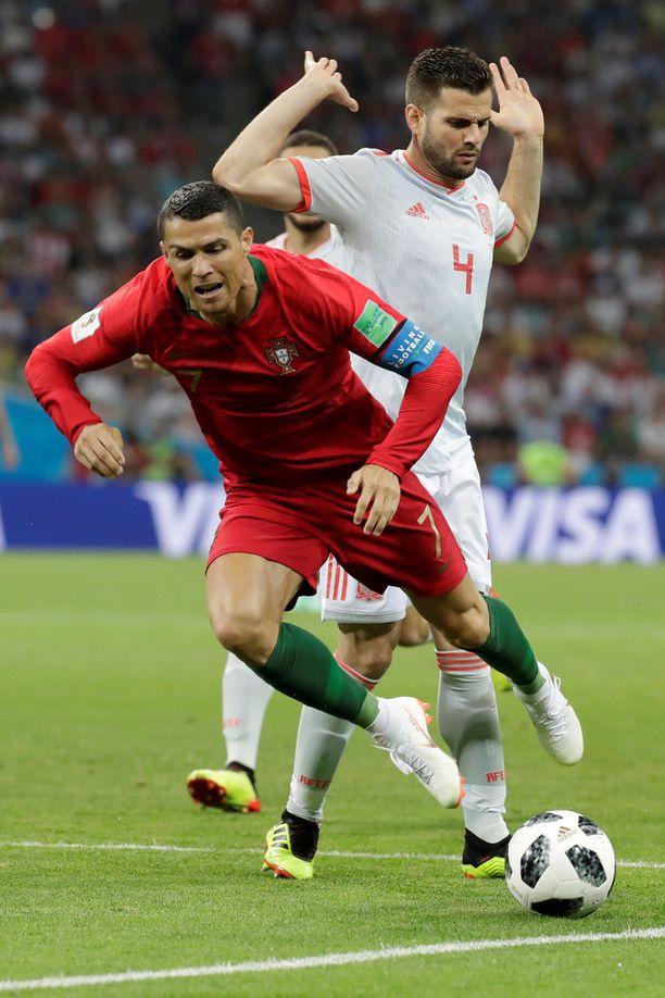 Nacho kaatoi Ronaldon huippuottelun alussa. Myös Espanjan laitapakki onnistui maalinteossa 3-3-tasapelissä.