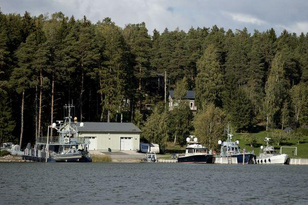Airiston Helmi -yhtiön omistukset Turun saaristossa ovat viranomaisen massiivisen operaation kohteena.