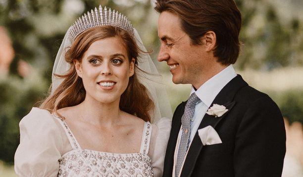 Prinsessa Beatrice asteli viime viikolla avioon.