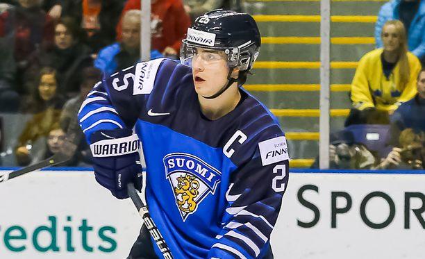 Kapteeni Aarne Talvitie teki Suomen maalin Ruotsi-ottelussa ja jatkoi maalitehtailua Kazakstania vastaan.
