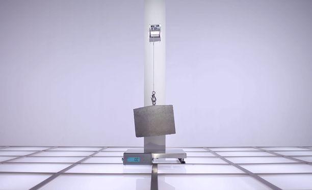 Oneplus 7 Pron etukamera kestää yli 20 kilon rasituksen.