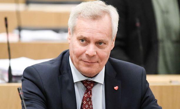 Antti Rinne odottaa Halla-aholta myös talouspoliittisia avauksia.