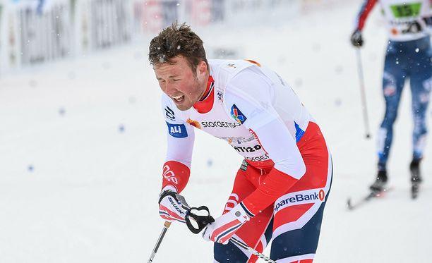 Esityksiinsä ja kohteluunsa pettynyt Emil Iversen poistui Lahdesta.