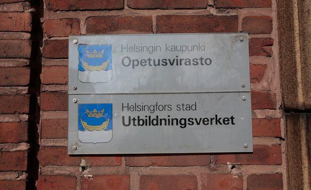 Turvallisuuspäällikön lisäksi Helsingin opetusvirasto irtisanoo kolme muuta työntekijää. Lisäksi kolme työntekijää saa kirjallisen varoituksen.