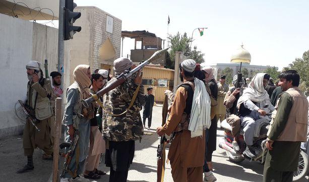 Taleban valtasi torstaina Ghaznin kaupungin. Se sijaitsee strategisesti tärkeässä paikassa Kabuliin johtavan maantien varrella.