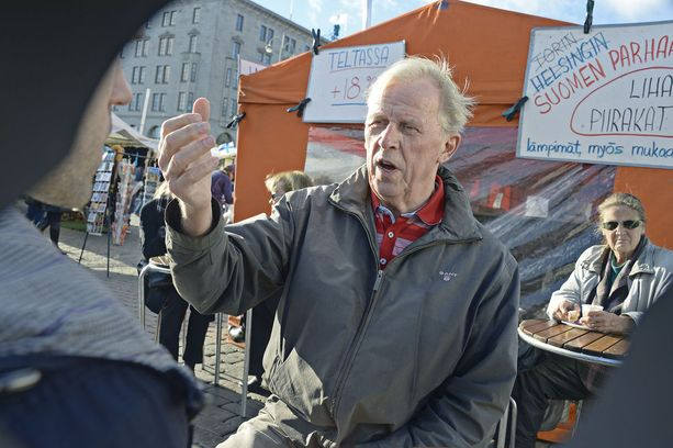 Bror-Erik Wallenius selosti vuoden 1992 maaottelun kohujuoksun.