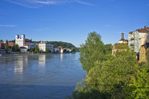 Oudot hotellikuolemat tapahtuivat Baijerissa Passaun kaupungissa. Se sijaitsee lähellä Itävallan rajaa.
