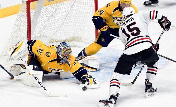 Pekka Rinne torjui voiton Chicagosta.