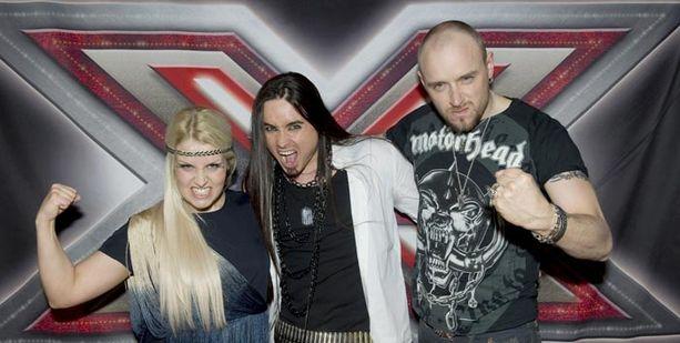Renne Korppilan ryhmä laulaa suomipoppia ja heavy metallia.