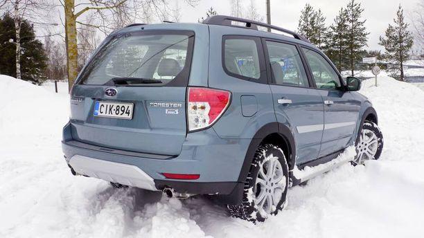 Aina neliveto – tämä on Subarun vahvuus kun joudutaan lumitöihin.