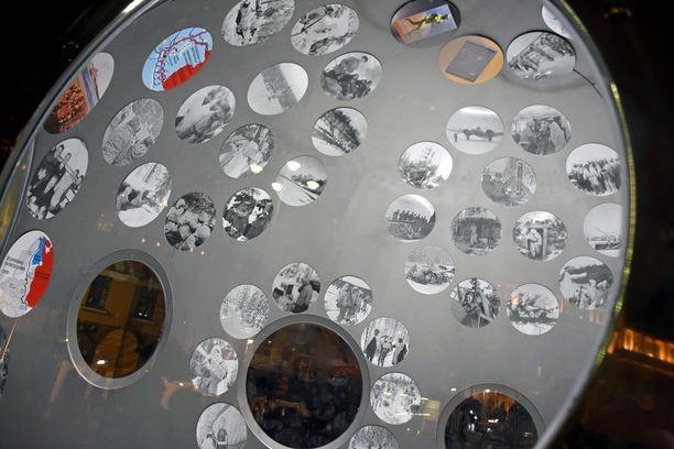 Kolmimetrisen teräspallon sisällä kerrotaan talvisodan tarina 105 valokuvalla.