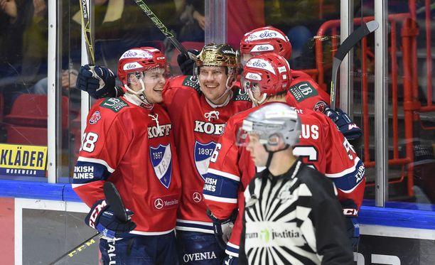 Se kuuluisa momentun on juuri nyt railakkaasti HIFK:n puolella, mutta nämä asiat voivat elää yllättävänkin äkkiä.
