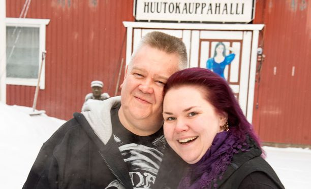 Aki ja Heli löysivät toisensa melkein kymmenen vuotta sitten netin seuranhakusivuston kautta. Onnea on riittänyt.