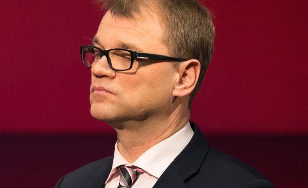 Juha Sipilä uskoo, että soten pysähtyminen johtaa Suomen luottoluokituksen laskuun.