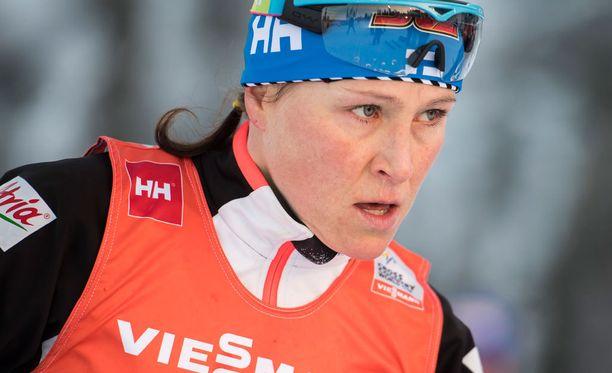 Aino-Kaisa Saarinen puurtaa parhaillaan Tour de Skillä.