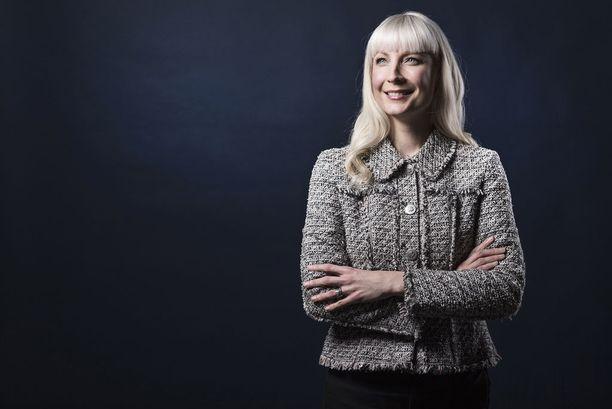 Laura Huhtasaari oli Ylen tuoreessa gallupissa jaetulla kolmannella sijalla Paavo Väyrysen kanssa kuuden prosentin kannatuksella. Huhtasaari sanoo pitävänsä sitä erinomaisena suorituksena ja mainitsee, että 58 prosenttia perussuomalaisista äänestää häntä.